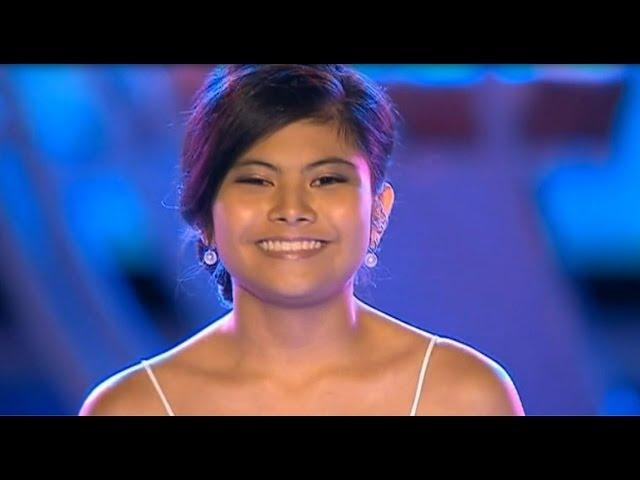 Marlisa - A Dream Is A Wish Your Heart Makes - Carols In The Domain 20214 [HD]